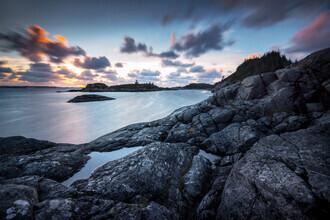 Felix Baab, Sonnenuntergang am Meer in der Nähe der Stadt Bergen (Norwegen, Europa)