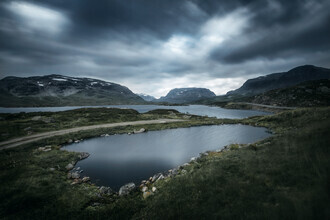 Felix Baab, Ein See vor dem See in den Bergen (Norwegen, Europa)