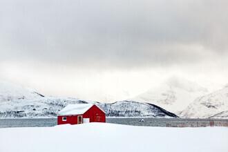 Victoria Knobloch, Hütte im Schnee (Norwegen, Europa)