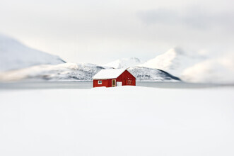 The red hut - Fineart photography by Victoria Knobloch