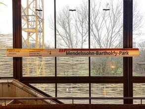 Claudio Galamini, U-Bahnhof Mendelssohn-Bartoldy-Park (Deutschland, Europa)