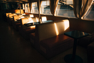 Marco Leiter, Einsam auf einem Boot in der Ukraine (Ukraine, Europa)