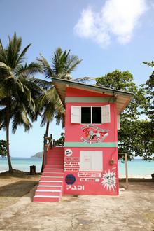 Buntes Haus auf Tobago - fotokunst von Lioba Schneider