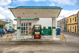 Miro May, Gas station (Cuba, Latin America and Caribbean)
