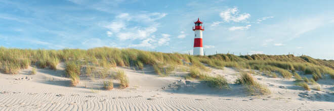 Jan Becke, Sylt beach panorama with lighthouse (Germany, Europe)