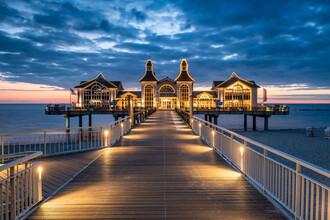 Jan Becke, Sellin pier at night (Germany, Europe)