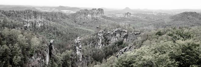 Dennis Wehrmann, Enchanted landscape elbe sandstone mountains (Germany, Europe)