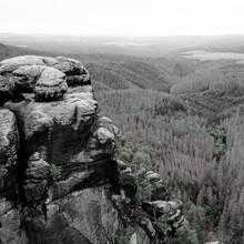 Dennis Wehrmann, Verwunschene Landschaft des Elbsandsteingebirges (Deutschland, Europa)