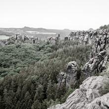 Dennis Wehrmann, Verwunschene Landschaft des Elbsandsteingebirges - Schrammsteine (Deutschland, Europa)