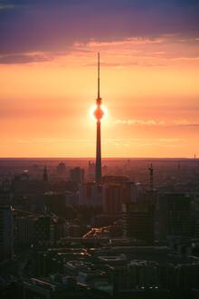 Jean Claude Castor, Berlin Sonnenfinsternis hinter dem Fernsehturm (Deutschland, Europa)