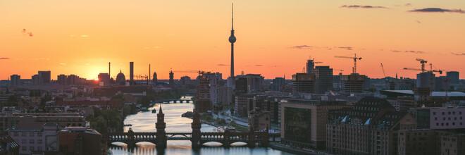 Jean Claude Castor, Berlin Skyline Panorama Sonnenuntergang (Deutschland, Europa)