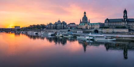 Jan Becke, Altstadt von Dresden bei Sonnenaufgang (Deutschland, Europa)