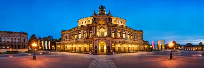 Jan Becke, Semperoper in Dresden (Deutschland, Europa)