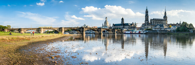 Jan Becke, On the banks of the Elbe in Dresden (Germany, Europe)