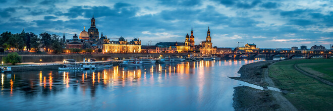 Jan Becke, Dresden skyline on the banks of the Elbe (Germany, Europe)