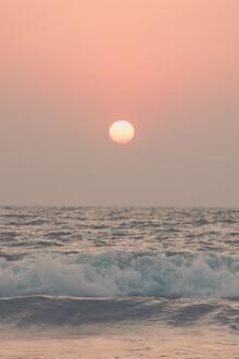 Victoria Frost, Pink Beach Sunset (Indien, Asien)
