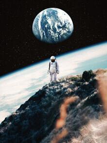 Tau Dal Poi, Lonely Astronaut (Großbritannien, Europa)