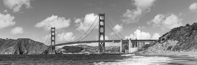 Melanie Viola, GOLDEN GATE BRIDGE Baker Beach Monochrome Panoramic View (United States, North America)