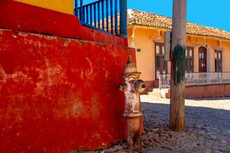 Miro May, Corner (Cuba, Latin America and Caribbean)