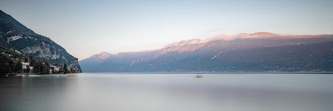 Dennis Wehrmann, Panorama Sonnenuntergang Lago di Garda - Gargnano (Italien, Europa)