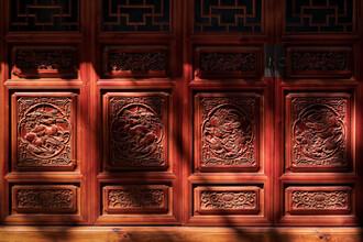 AJ Schokora, Temple Light (China, Asien)