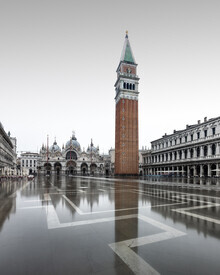 Piazza San Marco Venedig - Fineart photography by Ronny Behnert