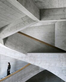 Roc Isern, Surrounded by concrete (Switzerland, Europe)