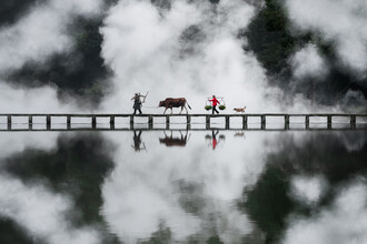 Bridge Crossing - fotokunst von AJ Schokora