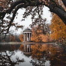 Franz Sussbauer, Blick auf den Apollo Tempel im Nymphenburger Park I (Deutschland, Europa)