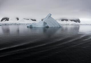 Jens Rosbach, Blaue Stille (Antarktis, Europa)