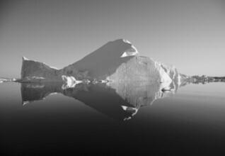 Jens Rosbach, Eisberg bei Sonnenaufgang (Grönland, Europa)