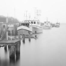 Dennis Wehrmann, Fischerboote im Nebel (Deutschland, Europa)