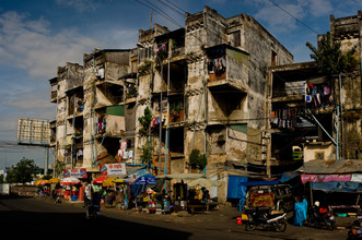 Michael Wagener,  Wohnblock in Phnom Penh  (Cambodia, Asia)