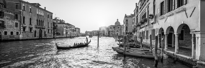 Jan Becke, Gondelfahrt entlang dem Canal Grande in Venedig (Italien, Europa)