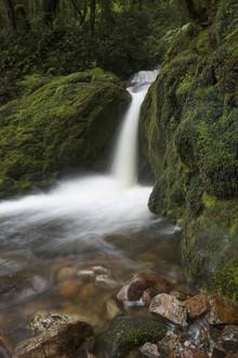 Stefan Blawath, Wasserfall auf dem Dusky Track in Neuseeland (New Zealand, Oceania)
