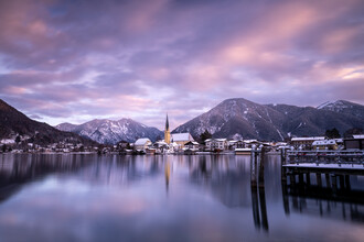 Franz Sussbauer, Pretty red clouds over lake Tegernsee (Germany, Europe)