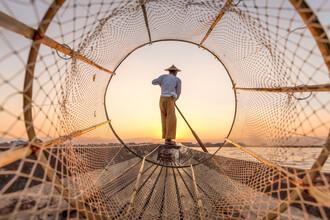 Jan Becke, Intha fisherman on Inle Lake in Myanmar (Myanmar, Asia)