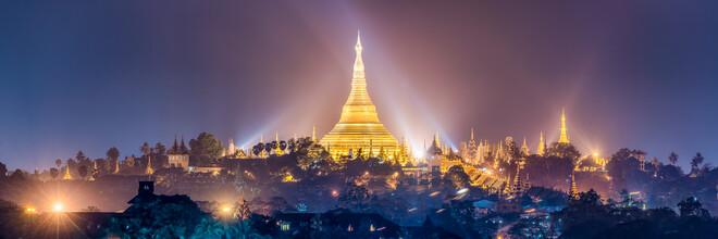 Jan Becke, Shwedagon in Yangon bei Nacht (Myanmar, Asien)