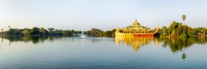 Jan Becke, Kandawgyi Lake in Yangon (Myanmar, Asia)