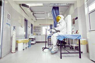 Sophia Hauk, Der Protestonaut im Krankenhaus (Griechenland, Europa)