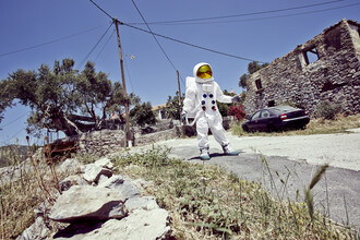 Sophia Hauk, Der Protestonaut in einem verlassenen Dorf (Griechenland, Europa)