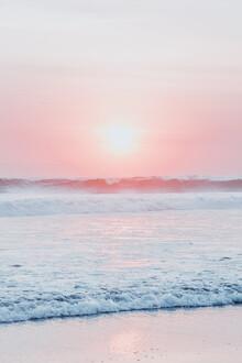 Magda Izzard, Sunset Wave (Indonesia, Asia)