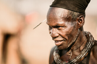 Dennis Wehrmann, Portrait Himba Chief Epupa Falls Namibia (Namibia, Africa)