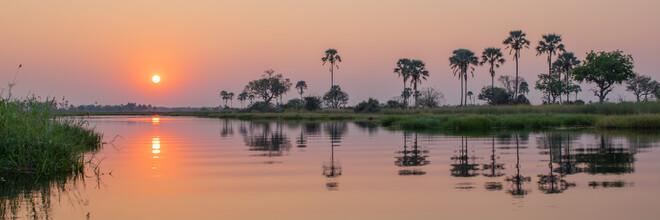 Dennis Wehrmann, Panorama Sonnenuntergang Okavango Delta (Botswana, Afrika)