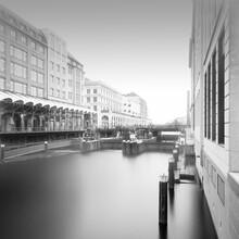 Dennis Wehrmann, Hamburg Stadtansicht - Alsterarkaden (Deutschland, Europa)