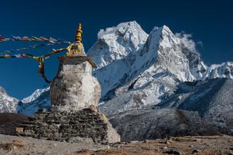 Michael Wagener, Stupa vor dem Ama Dablam (Nepal, Asia)