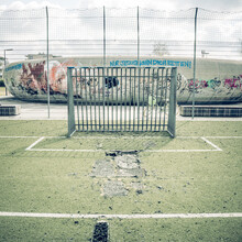 Franz Sussbauer, ARTIFICIAL GRASS, BOARD FENCE, SKATER BOWL 2021 (Germany, Europe)
