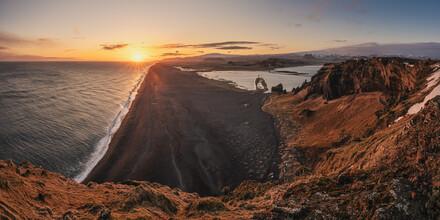 Jean Claude Castor, Dyrholaey Peninsula Sunset Panorama Iceland (Iceland, Europe)
