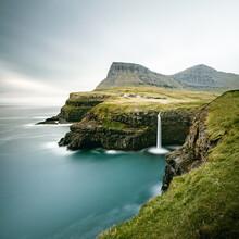 Franz Sussbauer, Gásadalur and Múlafossur waterfall II (Faroe Islands, Europe)